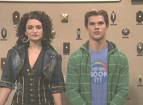 Taylor Lautner on SNL with Pizza Hut BOOK IT! Shirt